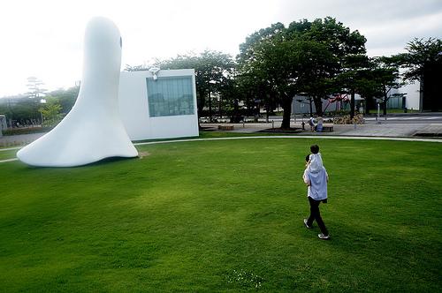 Towada Art Center 十和田市現代美術館 屋外展示
