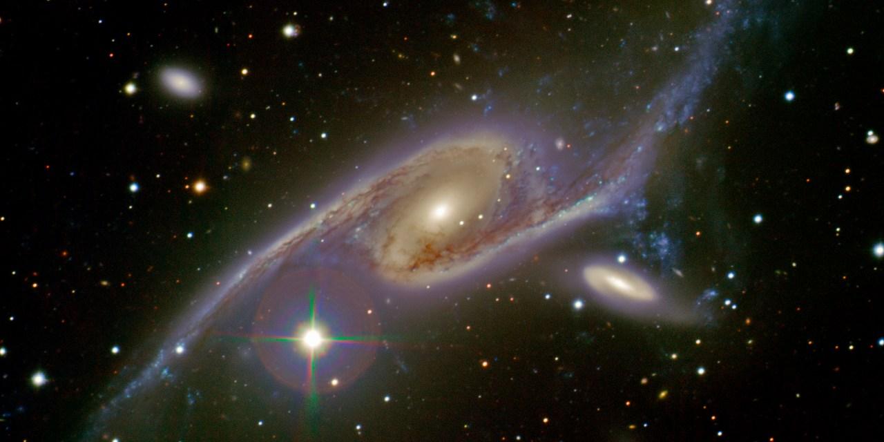 Conferencia de Astronomía: Observaciones multifrecuencias de Objetos interactuantes
