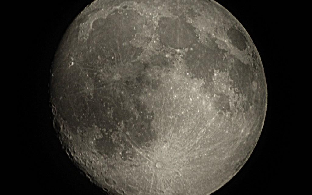 Curso de posgrado: Luna