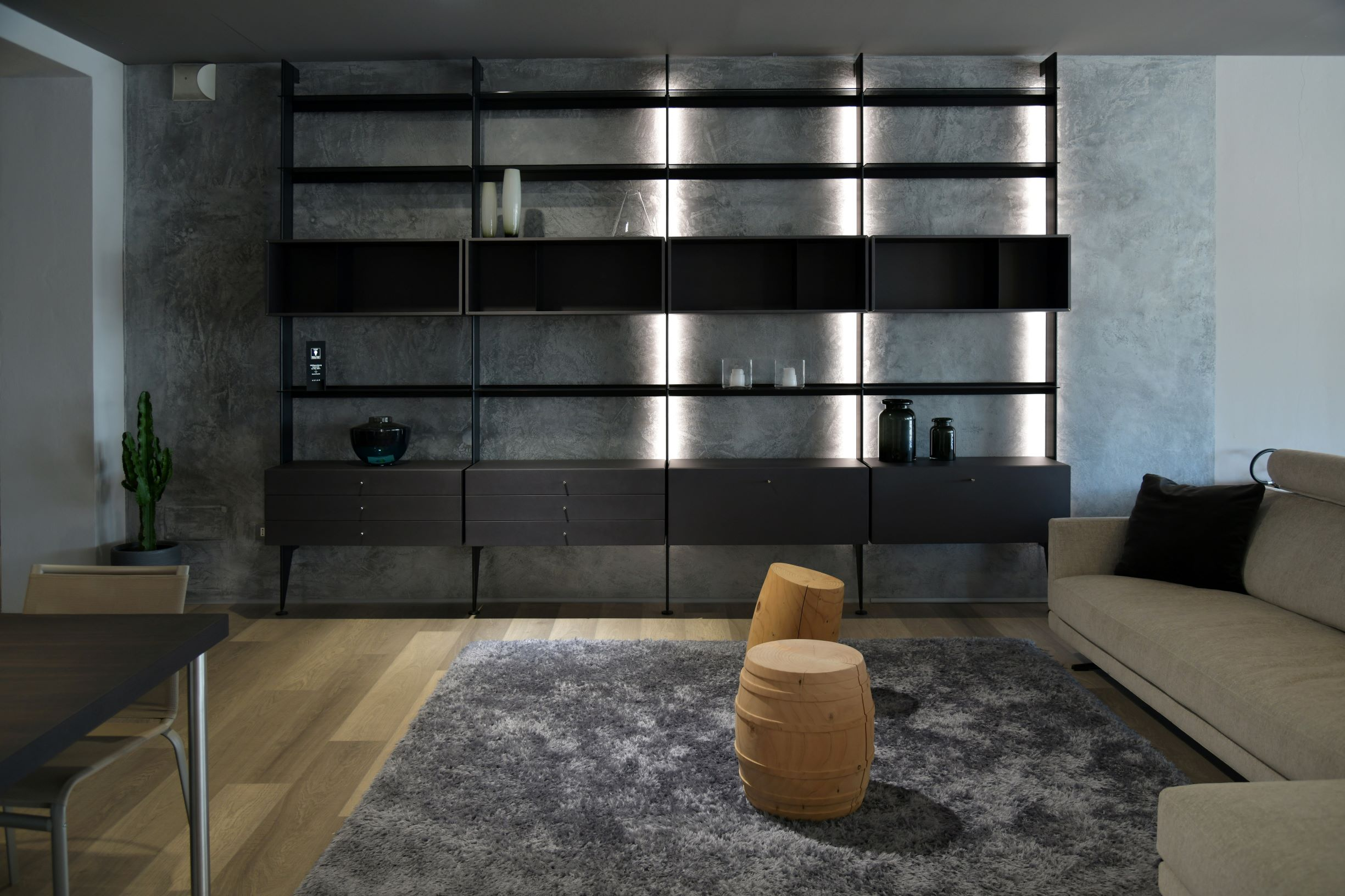 Less is more. Quality not quantity. That's minimalism in a nutshell. Find out what Luxury Minimalism is.