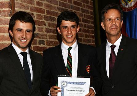 Grado-Daniel-Eduardo-Dic-2015-con-Andres-Felipe