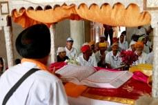 AMAL3667 (Inside the Gurudwara Sri Guru Singh Sabha, Godhra, Gujarat)