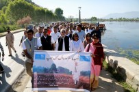 Sri M leading the last leg of his Walk of Hope which concluded in Srinagar last night (1)