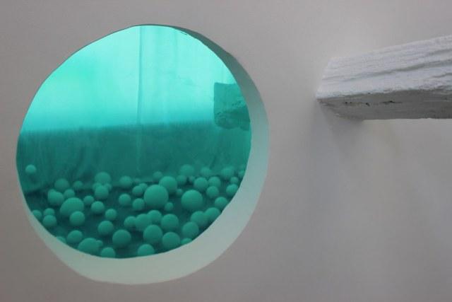 Expositie Laila Bouferra in EXbunker tentoonstelling ruimte Utrecht.