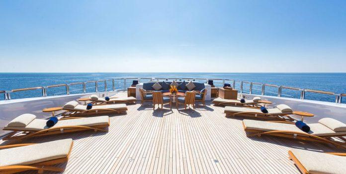 WHEELS Upper Deck Lounge