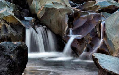 Boulders sculpted by the waters of Deer Creek