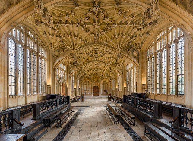 1280px-divinity_school_interior_3_bodleian_library_oxford_uk_-_diliff