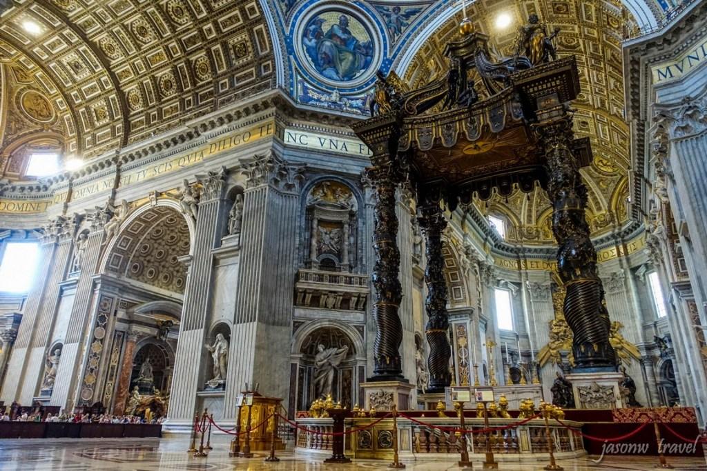 聖伯多祿大殿內部 聖體傘 St. Peter's Basilica Inside