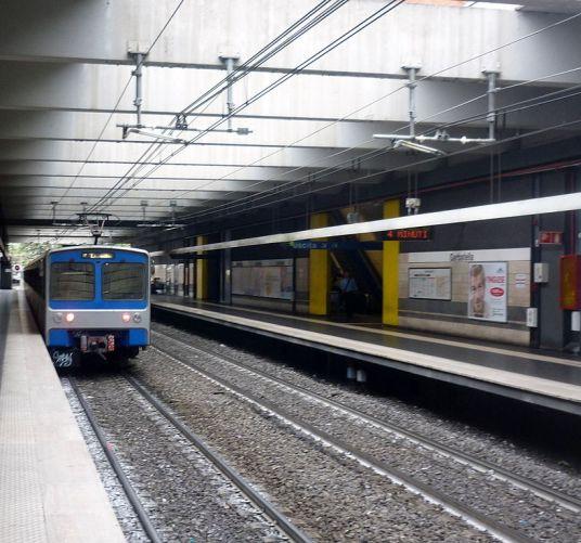 821px-metro_b_garbatella_roma
