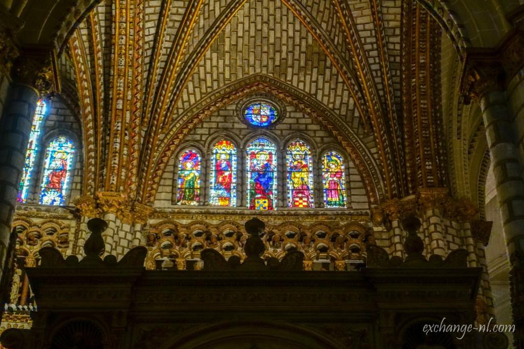 托雷多主教座堂內部 彩繪玻璃