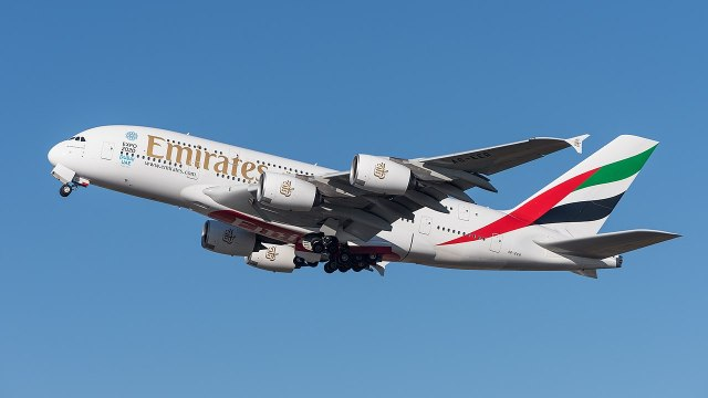 1280px-emirates_airbus_a380-861_a6-eer_muc_2015_04