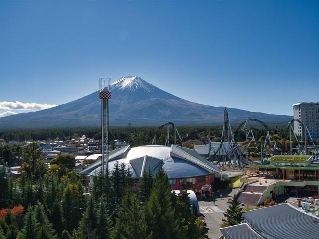 富士急ハイランドの観覧車から見える富士山