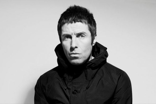 """Liam Gallagher Doesn't Know How to Play """"Wonderwall"""" on Guitar"""