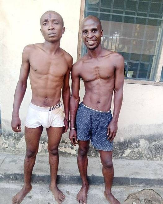 2 Suspected Thieves Smiles For The Camera