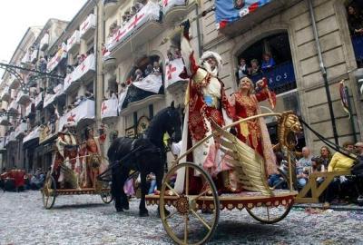 Ven a la La fiesta de Moros y Cristianos desde Castellón