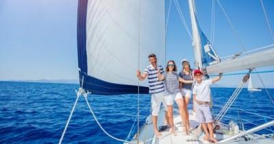 Salida familiar en alta mar con barco privado