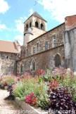 Le long de l'église Notre-Dame de Montluçon