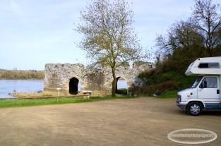 Promenade au bord de Loire à Champtoceaux. Le moulin pendu