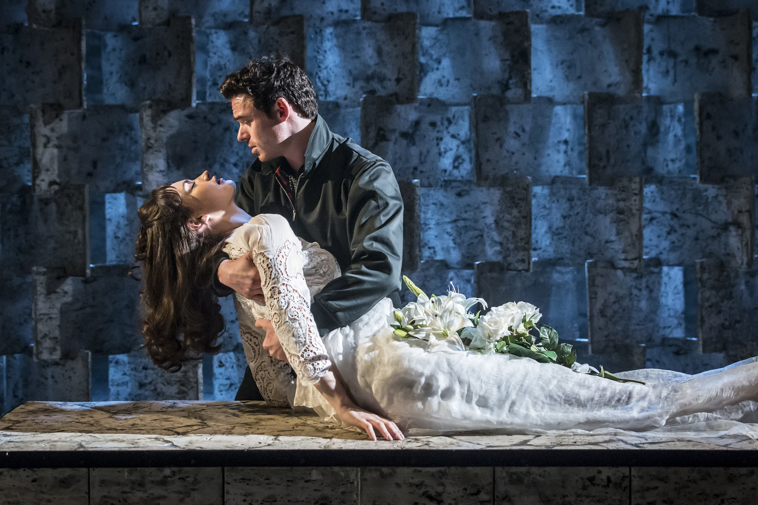 Review Romeo And Juliet At The Garrick Theatre