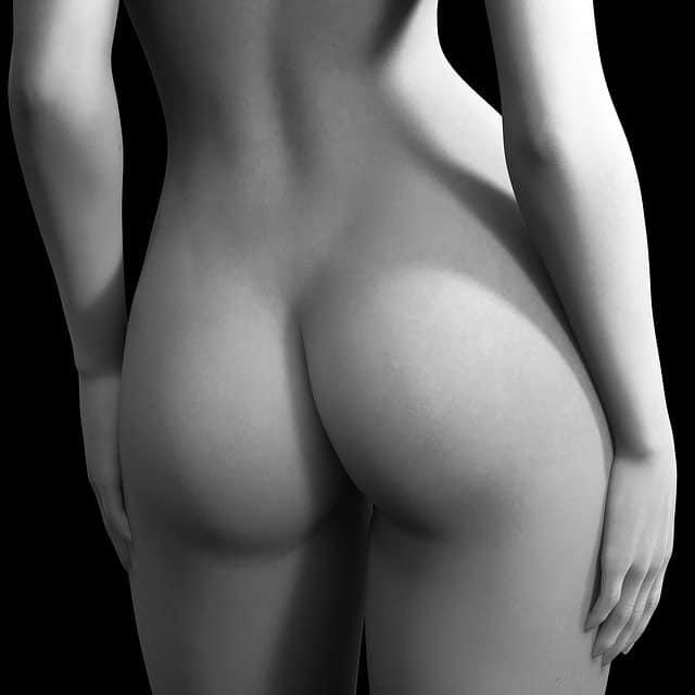 ישבן חטוב בשחור לבן