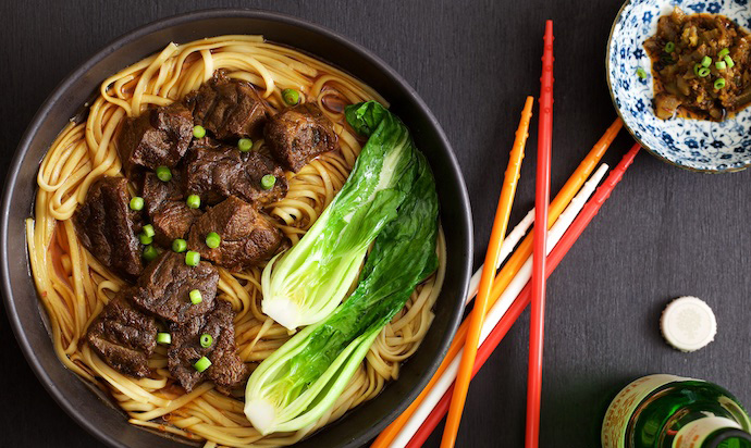 https://www.yumofchina.com/taiwan-braised-beef-noodles/