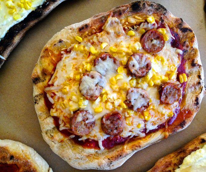grilled-pizza-sausage.jpg