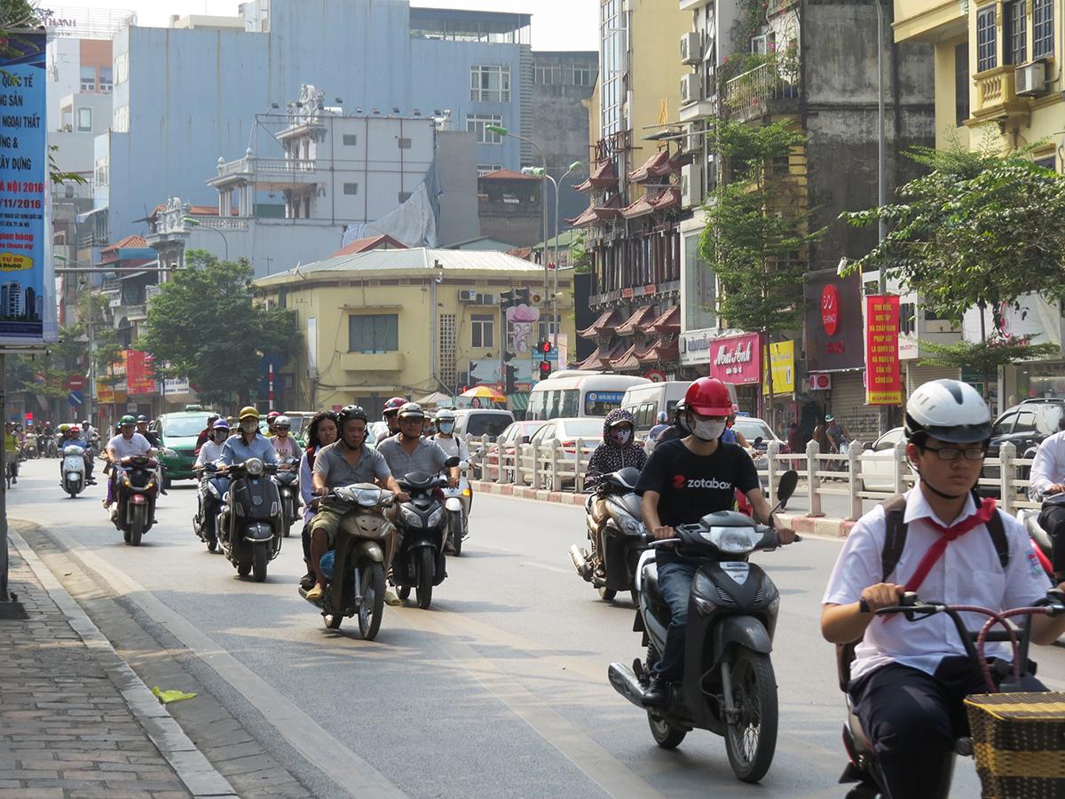 em Hanói, existem mais motos que carros