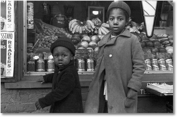 November 1937 - Street scene, Washington, D.C.; Eyes of the Great Depression 031