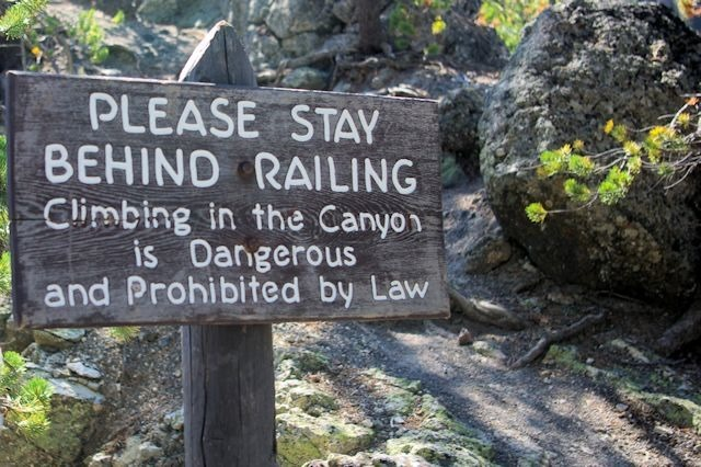 Warning Trail Sign at Grand Canyon of the Tellowstone