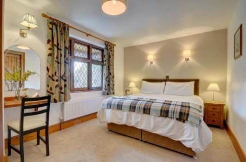 Gardener's Cottage - Bedroom