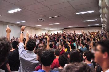 Votação na UFMG para ter Ocupação