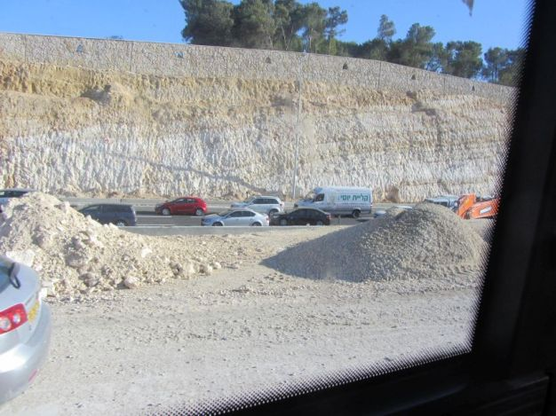 01-a-new-road-for-traffic-between-jerusalem-and-settlements-in-direction-of-hebron