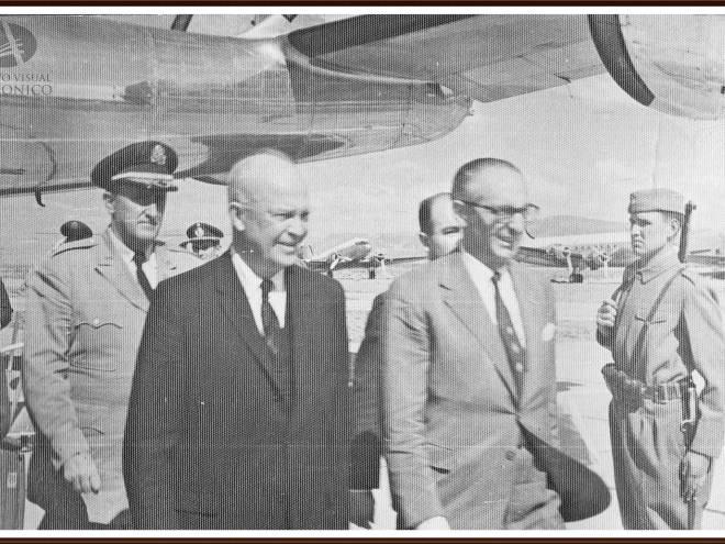 Был ли встреча между Элитами Мира и представителями нацисткой базы в Антарктиде?