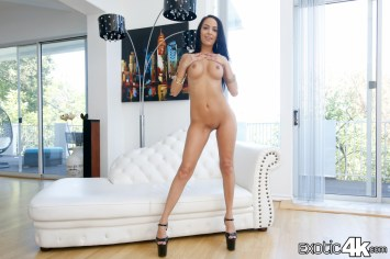 Latina dances on cock — pic 15