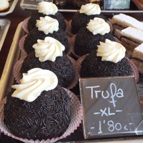 Pasteleria Oiartzun Chocolate Trufa Dessert San Sebastian Pintxo
