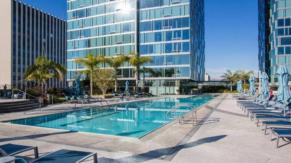 2 Bedroom Suites In Los Angeles