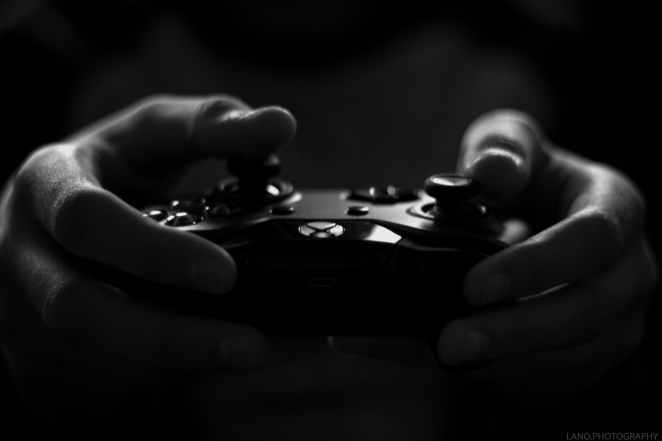 gray scale image of xbox game controller