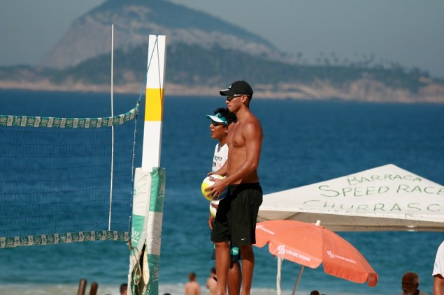 Volley dude, Ipanema Beach