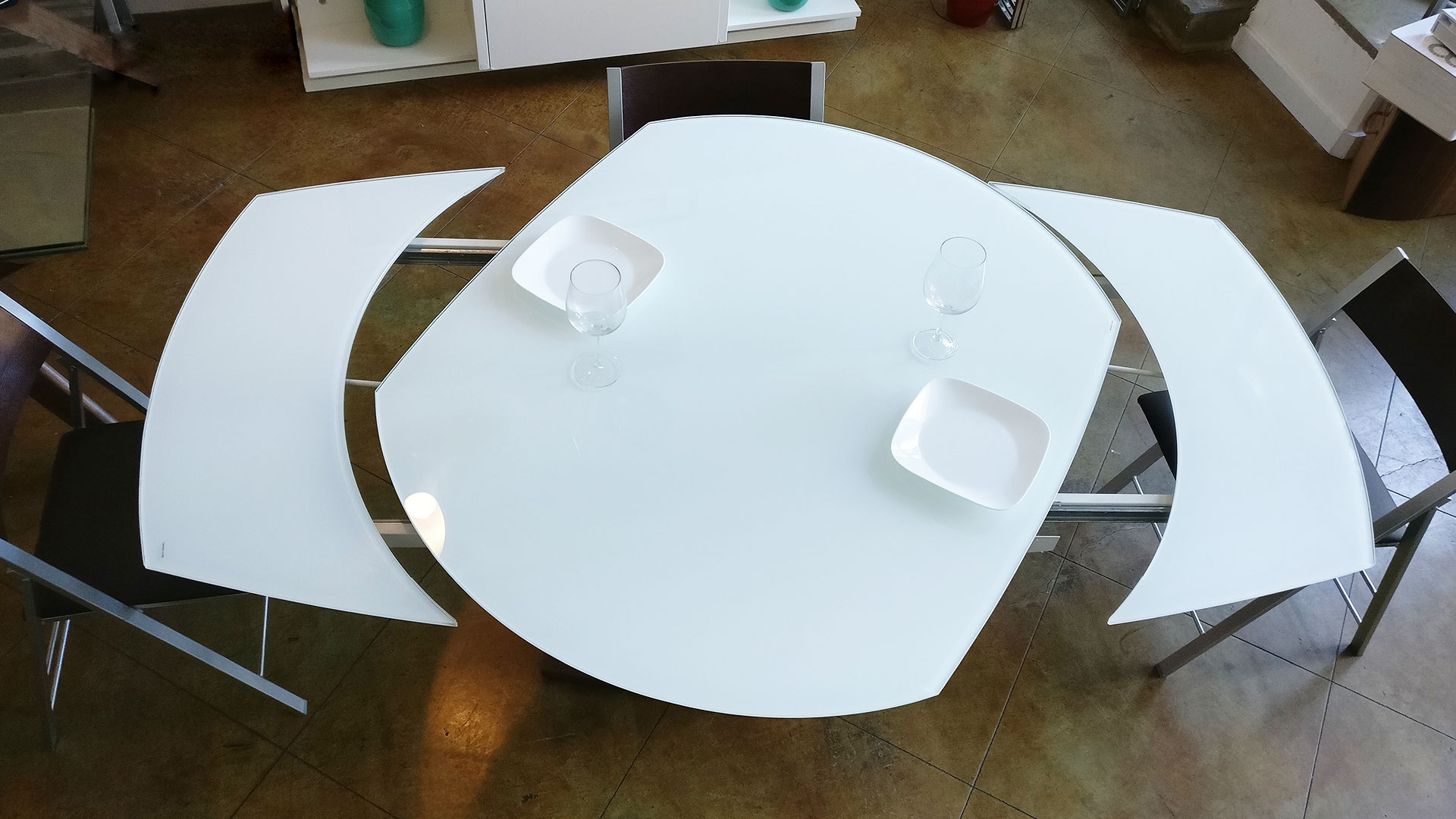 Baobab Oval Glass White Extendable Kitchen Table