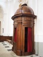 confessional-780028_640