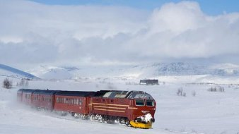 arctic-express-train