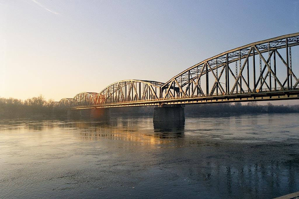 Toruń, road bridge on Vistula - flight shopping