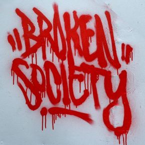 broken_society_tag, graffiti