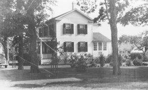 James-Rowe-House (side), Maple-Grove