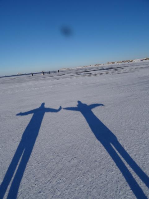 Schattenspiele im Schnee