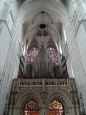 die Orgel von unten