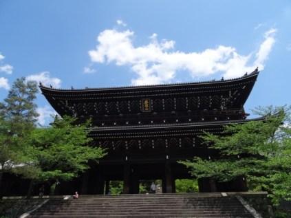 beeindruckend großer Tempel