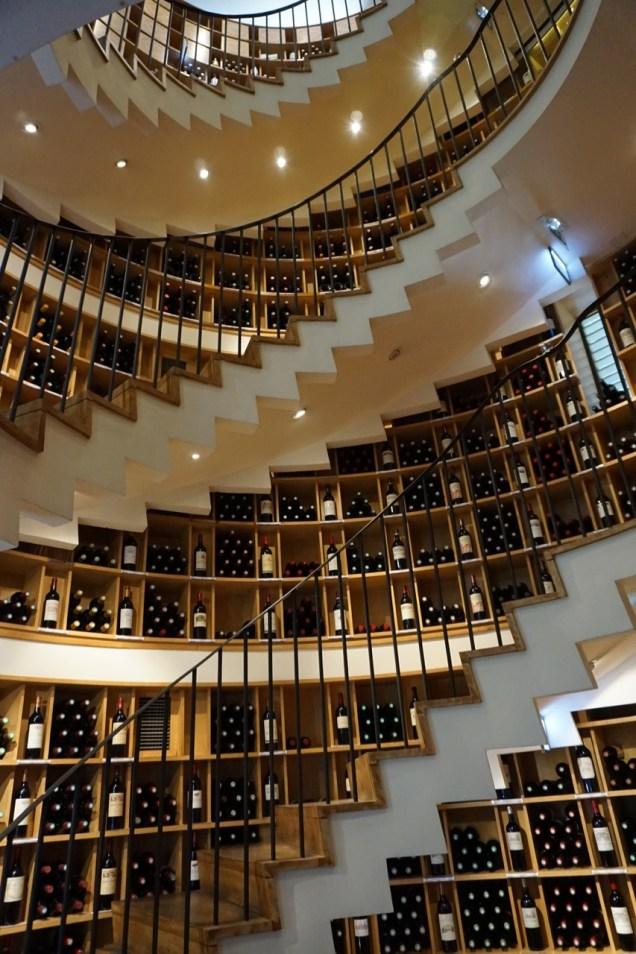 L' Intendant - Weinhandel im Treppenhaus