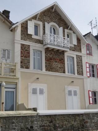 Häuserfront in St-Malo