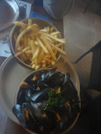 Moules & Frites (Miesmuscheln & Pommes)